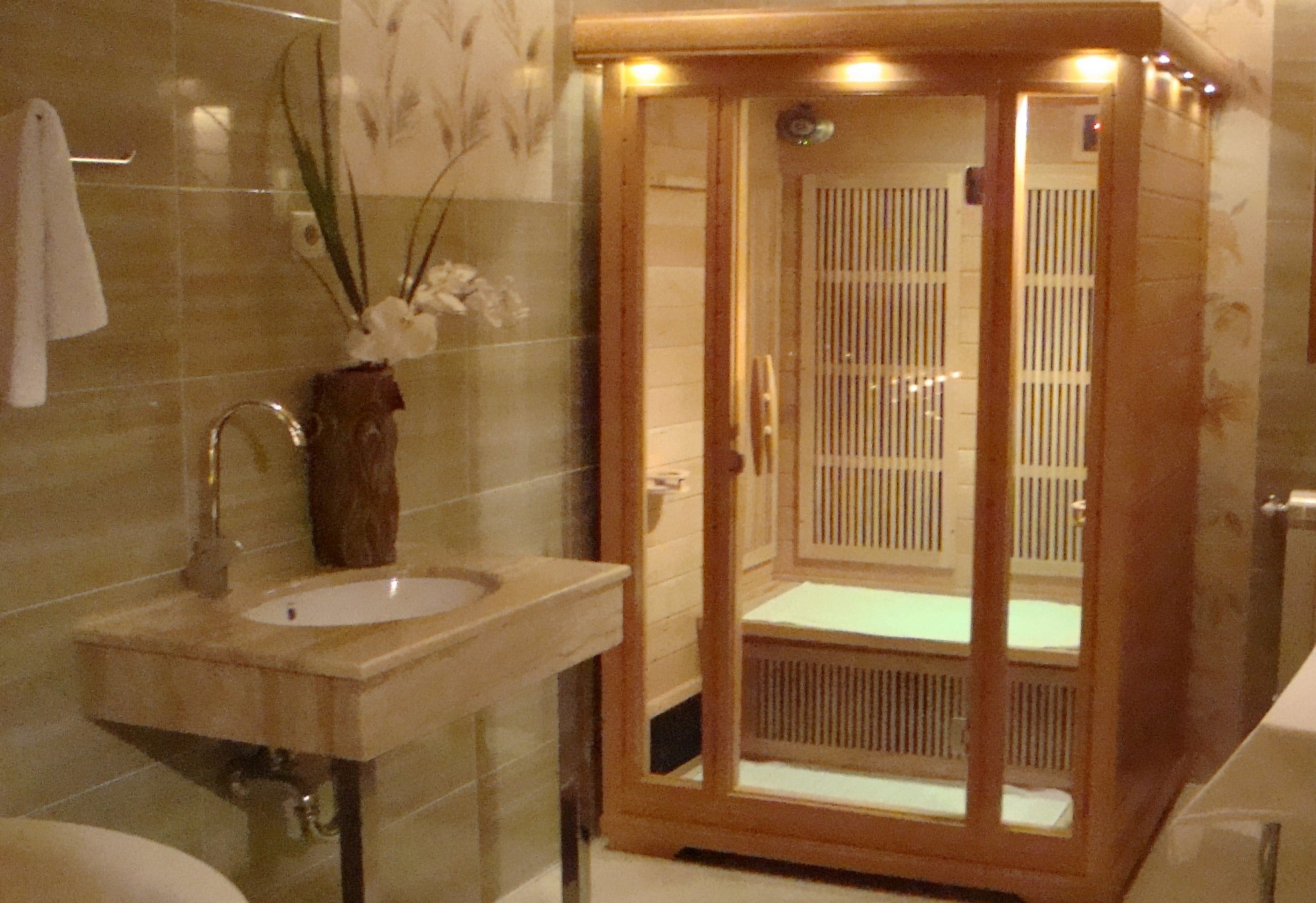 Hotel Sonata Samokov | Уютен семеен хотел в Самоков, в близост до Боровец и Национален Парк Рила | Уют и комфорт с традиции от 2001 | Ски | Почивка | Планина | Преходи | Еко Пътеки